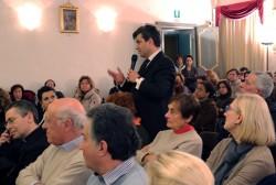Foto del dibattito.