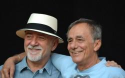Giorgio Faletti e Roberto Vecchioni. Fonte: facebook.