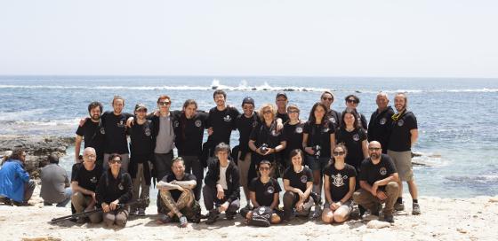 L'equipaggio di Operazione Siracusa con il Capitano Peter Hammarstedt e Enzo Maiorca, membro del Consiglio dei Saggi di Sea Shepherd. Foto: Fabio Caccin - www.seashepherd.it