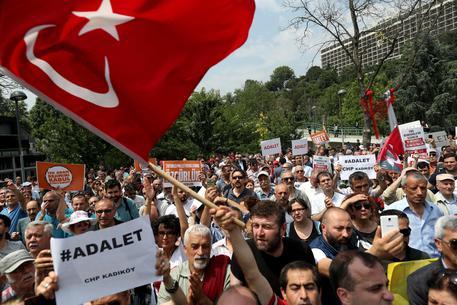 marcia giustizia turchia