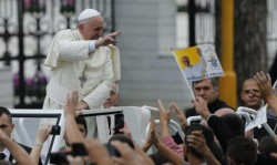 Papa Francesco Bergoglio a Tirana, Settembre 2014. Fonte foto: google.