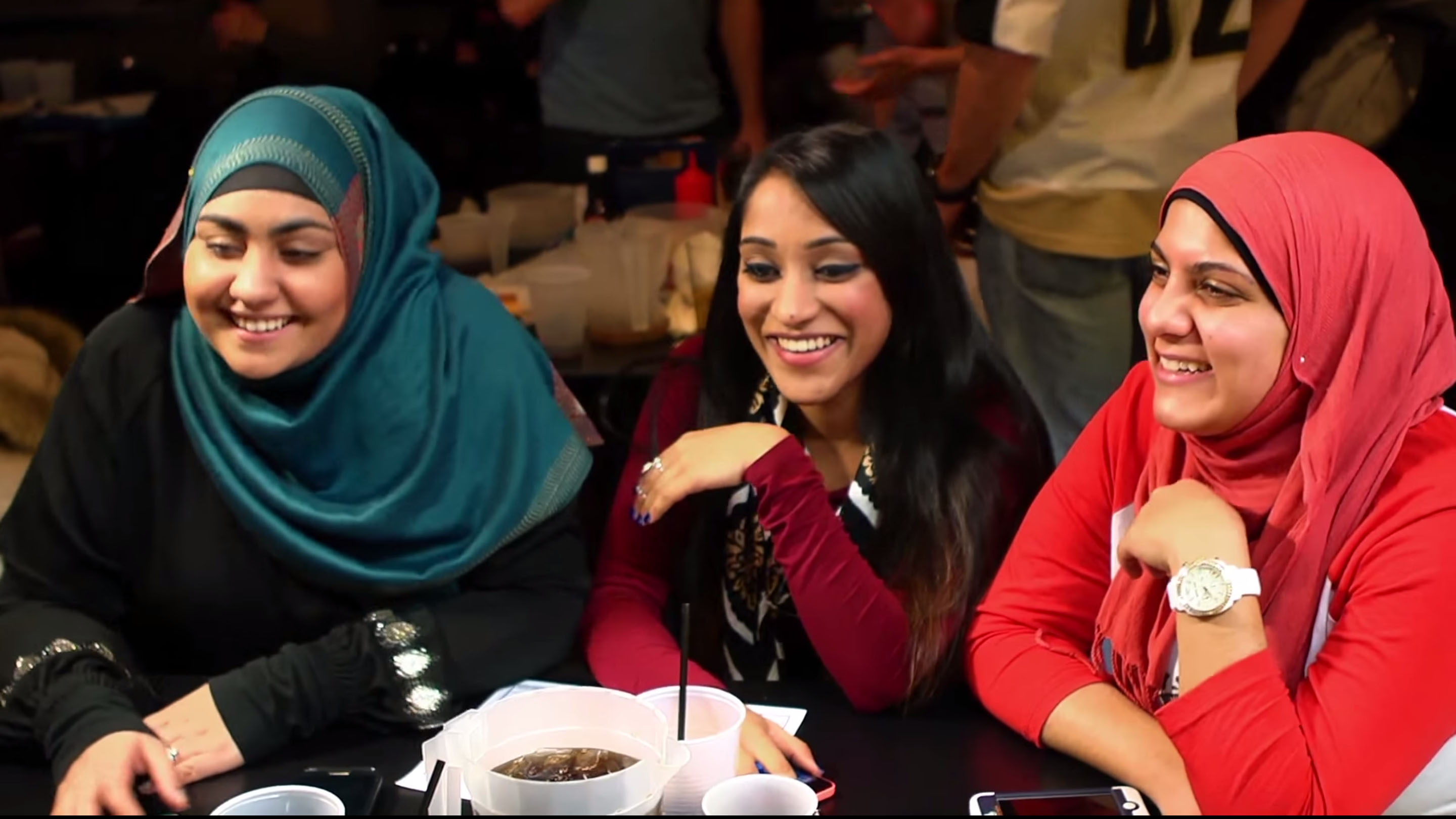 These twentysomething muslim women are clapping back against stereotypes